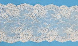 812# 18cm lace 10Yard/roll 0501272