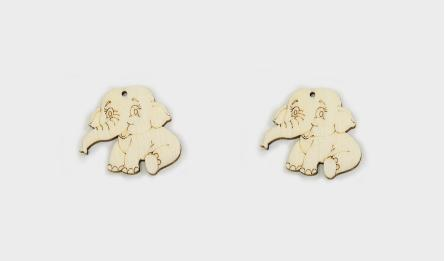 Small Wood elephant with hole size:3*3.5cm thickness:3mm 0519647