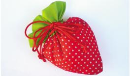 STRAWBERRY PURSE STRINGS 21x15cm 0520061